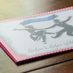Gestaltung einer Rockabilly-Hochzeitseinladung mit Einleger © Beyond Imagination